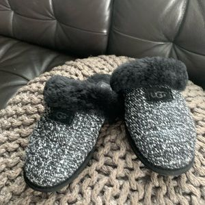 Uggs slippers size 7.5